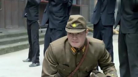 黑狐:鬼子大佐气焰嚣张,乘胜追击老特工,怎料被特工一枪干掉
