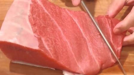顶级大厨分割蓝鳍金枪鱼大腹,切片做刺身肥嫩香腴