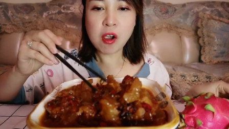 美食吃播:大胃王小姐姐吃牛蹄筋,大口吃的真过瘾!