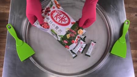 巧克力的创意新玩法:把它和抹茶粉树莓一起做成炒酸奶,太会玩了