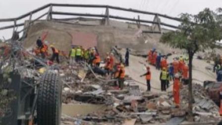 福建泉州一酒店坍塌续:伤者忆惊魂 家属心如焚