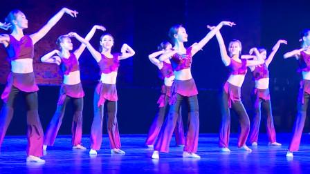 敦煌舞舞韵基本步伐训练,随着音乐节奏时而轻快时而舒缓,太美了