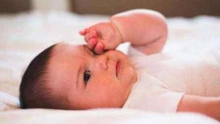 宝宝频繁揉眼睛,不要一味是普通动作,宝妈们一定要注意!