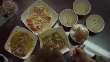 三个家常小菜,吴京吃了五碗米饭,看他吃的太香了