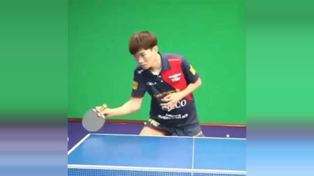 乒乓球教学:直板正手搓球要领,记住这些细节去练准没错!