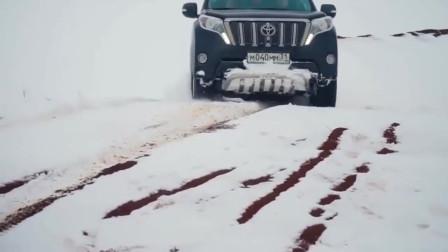 陆巡和普拉多雪地越野,两车动力和性能不分上下