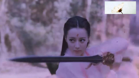 枕上书:魔君敢拿剑砍凤九,他就不怕帝君削他?