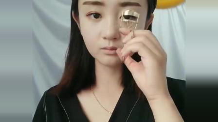 小姐姐素颜好像赵丽颖,化完妆的那一刻,比赵丽颖都美!