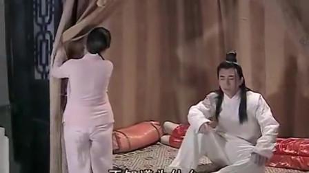 屌丝头看妻子化妆,却发现妻子是个稻草人,这下把屌丝吓的不轻!
