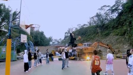 中国打篮球最牛的也就他们三个,乔丹在他们面前也只能去做替补!