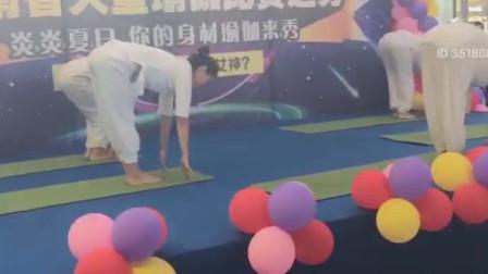 郑州街头现场直击瑜伽比赛,台上瑜伽一式,台下观众羡慕不已