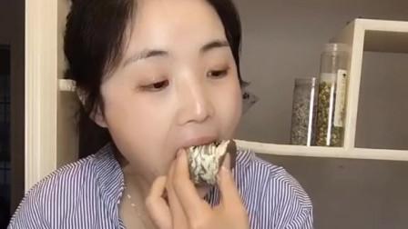 萌姐试吃:八拼千层蛋糕(下集),一次吃八种口味,太爽了吧