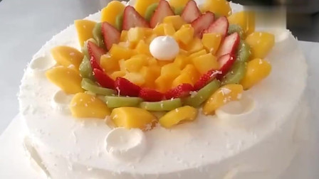 超简单的水果蛋糕,手残党易学!