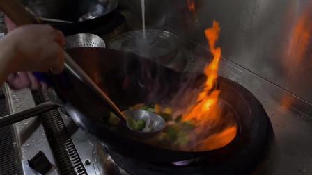 炒西兰花要先焯水吗? 看看餐厅大厨的烹饪方法,爽口入味又翠绿