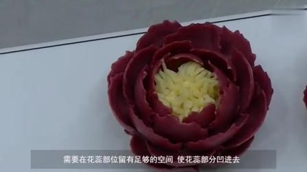 韩式裱花红牡丹花的裱花方法,跟着烘焙达人学习吧