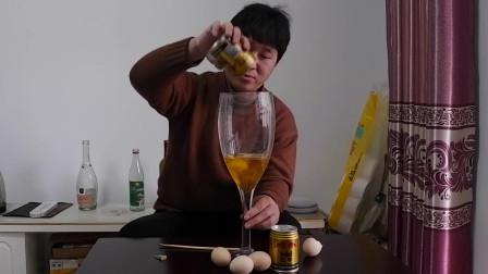 红牛加鸡蛋男人喝了有啥反应?单身小伙大胆尝试,看看喝完发生了啥?