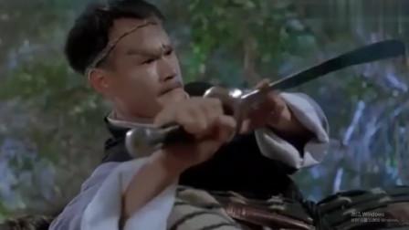 """村庄出现刀枪不入不法之徒,林正英用""""引血剑""""分分钟教做人!"""