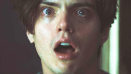 小男孩因爸妈经常吵架,心理逐渐扭曲选择自杀,一部欧美恐怖电影