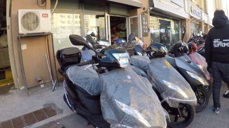 轻骑 铃木踏板优友UU125,尾箱保险杠全部标配,开走啥也不用配真实惠,这车买菜是不是有点浪费?