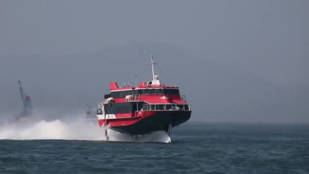 在海南难得一见的喷射船,降低的动作好随意!