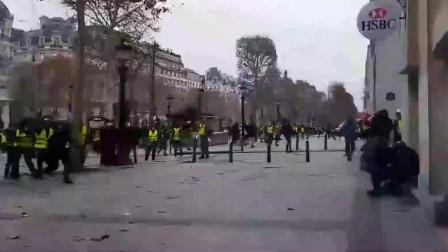 """无视疫情禁令! 法国大批""""黄马甲""""再上街再游行 多数人未戴口罩"""