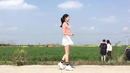 经典鬼步舞《次仁和桑珠的爱》 农村小麦地实景
