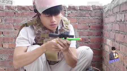 搞笑真人吃鸡游戏:陆霖海学长拿手枪和八倍镜一起用,这操作神了