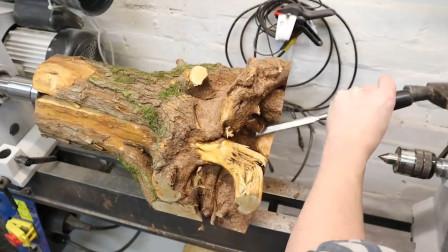 一棵不起眼的树根,经过木匠加工后,成品令众人称赞!