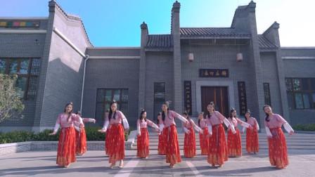 中国舞《昭君》,诉不完的情愁,但是c位为什么一直笑开颜呢?