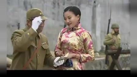 日军重兵守城门,中国女特工如何顺利通过城门,有好戏了!