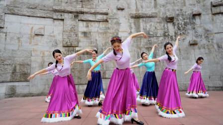 中国舞《玛吉阿米》,民族舞蹈的独特韵味,犹如阳光照进窗户!