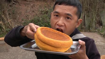 电饭煲可以蒸蛋糕了,做法简单一看就会,自己做吃起来更香