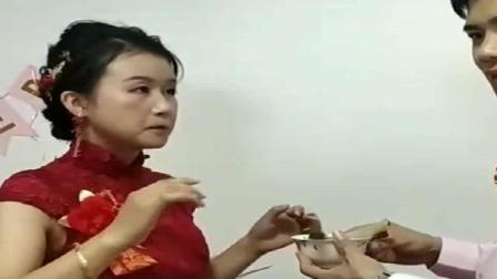 广东人打扰了,以为是在给岳母敬茶