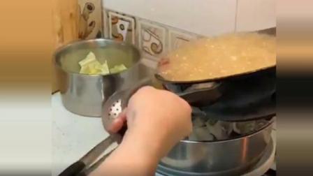 娶了个广东媳妇就是好,任何事情都敢尝试,今天做水煮鱼差点把房子烧了