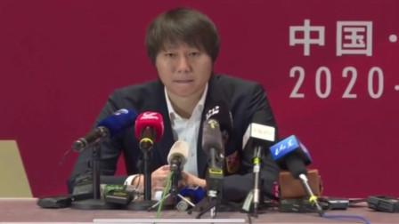 国足主教练李铁发布会大赞武磊 ,昨晚的比赛我看了,他给中国足球争光!