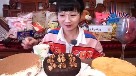 【小猪猪的vlog】小姐姐投喂三个蛋糕!提拉米苏、布朗尼和慕斯