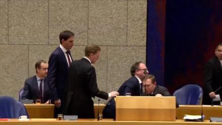荷兰卫生部长发言时晕倒:休息一晚,明日再战疫情