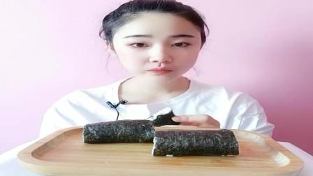 美食吃播:大胃王小姐姐吃寿司卷,大口吃的真香!