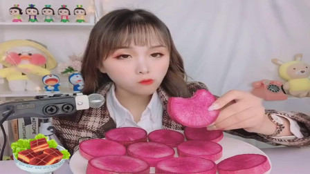 美食吃播:大胃王小姐姐吃水果萝卜,大口吃的真过瘾!