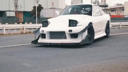 """看这车""""眼睛"""",凶得很呐,是在看减速带吗"""