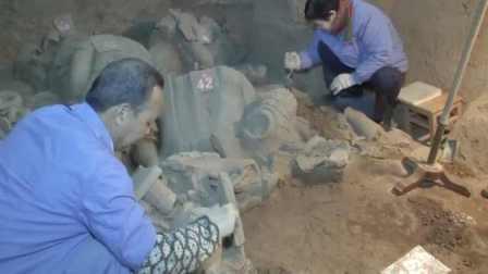 秦兵马俑出土兵器集中展示,新出土220多陶俑及大量兵器