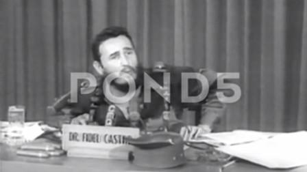 1959年的古巴 刚夺取政权的卡斯特罗发表讲话 好激动
