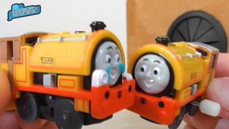 托马斯小火车终于见到自己的妈妈了,分开多年这回特别激动