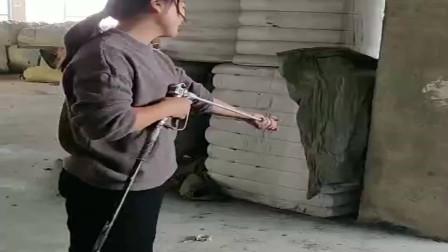 湖南美女用的喷腻子神器,十秒干一方,日薪过千轻而易举!