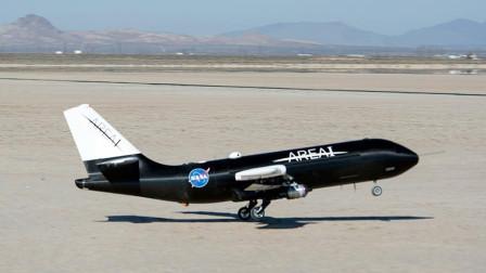 老外制作飞机模型,灵感源自F18战斗机,机翼折叠的瞬间太酷了