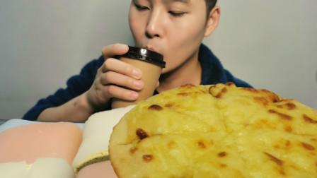 【披萨】60块外卖玛芝莲榴莲披萨+和风白玉卷,香甜不腻胃口大增!