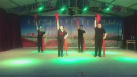 宅家舞安代 红绸飘起来-库伦旗草根艺术团,白乙拉、山虎、红山、芙蓉四位老师表演,