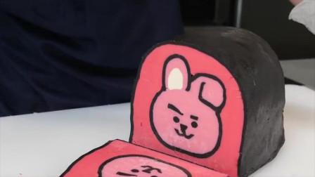 国外小姐姐制作小猪形状的面包,切开每一片都有小猪的样子