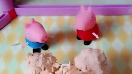 佩奇用奶油和蛋糕做了一个小熊蛋糕,可是小熊蛋糕却跑了,是怎么回事呢?