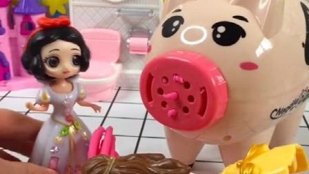 少儿益智亲子玩具:王后说她想吃面条,白雪知道以后,就去给王后做草莓面条了